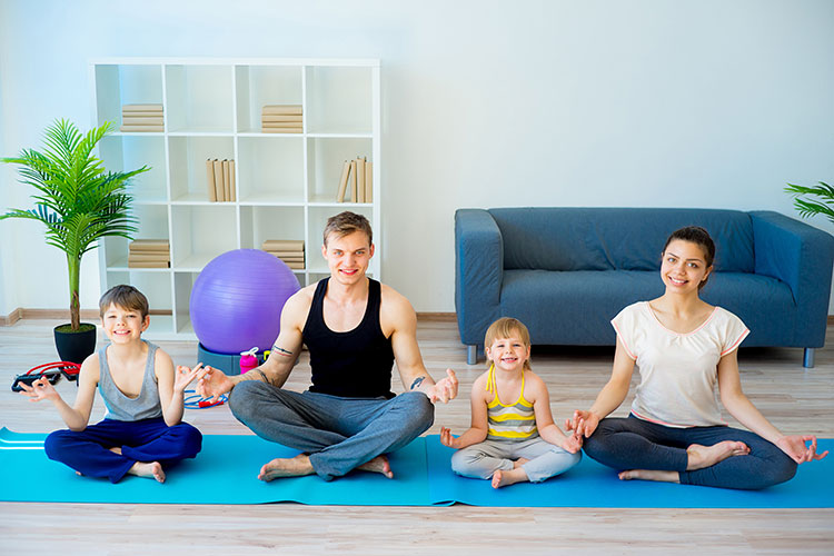 Family-Yoga-mit-kids.yoga